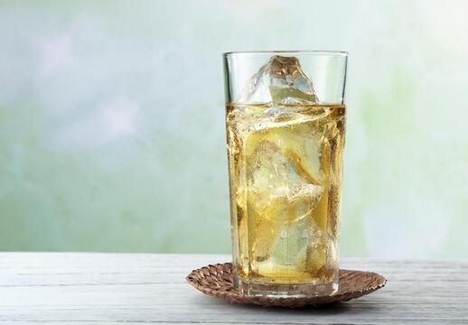 柠檬水的功效与禁忌喝柠檬水的注意事项